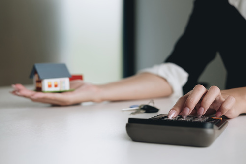 How can the traditional Estate Agency survive Tenant Fee bans and Online competition?